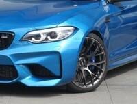 BMWのM2、M2コンペティションのサスについて質問です。  M2(N55エンジン)の車高調はM2コンペティションに無加工で付きますでしょうか? 自分的には同形状だと思うのですが、BMWのMモデルに詳しい方教えて下さ...
