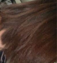 お風呂上がり、髪が、広がる?というかくせ毛?があり 綺麗に見えません。 どうケアすればいいのでしょうか(T ^ T)