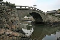長崎旅行の写真ですが、この橋のある景色は何処でしょうか? 10年前の長崎旅行の折の写真ですが、メモも記憶もなく、何処なのかわかりません。長崎の何処なのか思い出しません。久し振りに長崎に今年行く予定なのですが(新型コロナの影響で微妙ですが)、ここも再び訪れたいと思っています。