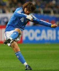 サッカーの日本人選手の中で歴代~現在も含めた上でも、パス・コーナーキック・フリーキックの精度・正確性が1番なのは全盛期の中村俊輔選手ですか?