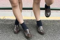 可愛い女子高生が学校に1日履いて行ってたくつ下、夜になってもいい匂いしますか??
