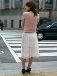 女装趣味のある男は引きますか? 女子高生の制服やOLさんの制服とか好きでよく身に着けてます。 小学生の時にふとした興味で女装してから病みつきです。