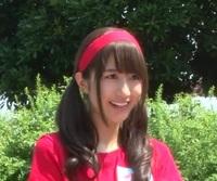 土生ちゃんクイズ  画像は、欅坂46の土生ちゃんこと土生瑞穂ですが  手になにか持っています  なにを持っているでしょうか?  正解者には500枚(゚∀゚)