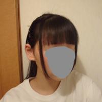 この髪型っておかしいですか? 前髪 触覚あり ポニーテールです。 触覚を減らしたいのですが、ほう骨がすんごい出てて、なかなか無くせません。