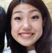 笑った時に頬がボコっとなるのがコンプレックスです。私は丸顔でもともと横に広い顔なのですが、笑った時に横澤夏子さんのような不自然に盛りあがった頬になってさらに横に広がってしまいます。なにか解決策はあ...