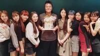 NiziUが秋元康の欅坂46を潰しました。  同じ契約会社ソニーが見限ったのでしょう。  6月30日にNiziUはデビューしたばかりなのに・・・TVの影響力って凄いですね? 「日本のメディア、新聞テレビなどの既存メ...