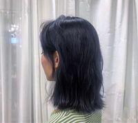 この髪型って毛先少しすいてますか?