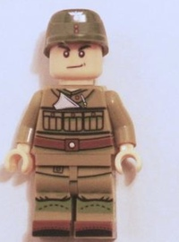 ドイツ軍狙撃兵はこんな格好でしたか。ソ連兵に見えます