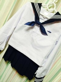 高校生です 制服女装のエピソード教えてください。 自分は家に誰もいない時にお姉ちゃんの 部屋に入り制服がほしてたことがきっかけです。