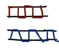 和裁を勉強しているのですが指貫を使って直線縫い(なみ縫い)の縫い目が垂直に縫えません。 赤い線で書いたような縫い目にしたいのですが私は青の縫い目のように表と裏で縫い目の大きさが変わってしまいます。 友...