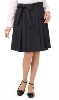 スーツスカートですが私服として着るのもありですかね?