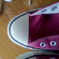 コンバースのオールスターのつま先部分のひび割れを補修する方法は有りますか?まだ履きたいので何か良い案ございましたら、教えてください。