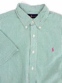 コーデを組んで欲しいです! ラルフローレンの緑のストライプの半袖のシャツです。 これはどのように合わせると良いと思いますか?  (私は女ですが、男の子っぽい格好もします。)
