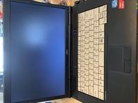 ノートパソコンを起動させたい。  LIFEBOOK A572/E CORE i5 win10  いつも通り電源ボタン押したら、ブラック画面のまま動きません。  どうしたら、正常に起動することが出来ますか? 親切な方、初心者に...