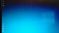 パソコンのホーム画面の左側アイコンがなく、写真のようになっているのですが、 消すにはどうすればよいでしょうか?
