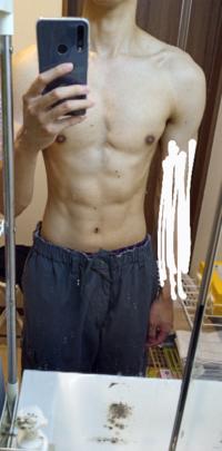 ベンチがようやく100kg上がるようになりました。 フラットベンチでやってても何故か上部に筋肉痛がくるので、インクラインは居らないかと思って一切してないのですが、形はタレ乳になってる傾向は無いでしょうか...