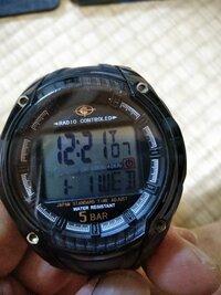 デジタル時計の電池交換しました。 時間の合わせ方、教えてください。 カシオのサイビートです。