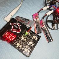 ドローン mobula7 が3.8V 1セルバッテリーでは飛ばなくなってきました…  3.8Vの1S を2個つないでツーセルなら元気に飛びます。(直列7.6Vだからですかね?)   二日ほど前は 1セルバッテリ ーでも アイドリ...