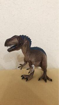 なんていう名前の恐竜かわかりません。 わかる方教えてください。