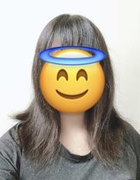 髪の毛がめちゃくちゃ汚いです。 肩に当たってるのか分かりませんが、めちゃくちゃ外にハネるんです。。。 切れ毛、アホ毛もどえらいし笑 風呂上がり(乾かしてすぐ)は、まあまあ落ち着いていますが、朝はいつもこんなです。 ハネない方法、髪を綺麗にする方法を教えて欲しいです。 諦めて外ハネにするとかは嫌です。 トリートメント、ヘアオイルは毎日しています。