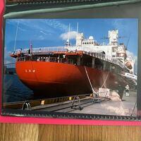 砕氷艦しらせ に、ポータブルDVDプレーヤーと  ヘッドホンは  備え付けられていますか?