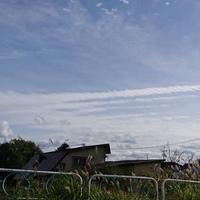 今日青森市の昼頃に螺旋状の横長な雲を見かけたのですが調べても地震雲とかしか出てきません。 詳しくわかる方いませんか?