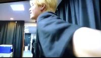 BTSのテテがカメラマンのカメラを持ちながら、ついてこいと連呼する動画は、どれでみれますか?