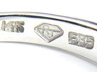 貴金属の刻印について質問です。 14金のリングにRJと刻印がされているのですが、どこかのブランド刻印なのでしょうか? 自分で調べてみましたが、同じような品は見つけられず、ご存知の方いらっしゃいましたら、...