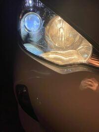 ヘッドライトをpiaa ledヘッド h11 6000k leh152 に変えました。ポジションランプも同じ系統の色に変えたのですがハイビームだけハロゲンライトです。 色が若干違うのですがこれは違反になりますか?