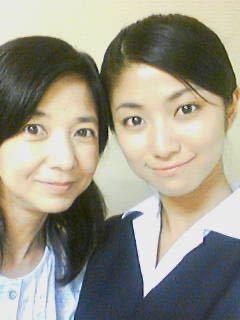 宮崎美子さんと一緒に写ってるこのコは誰でしょうか?