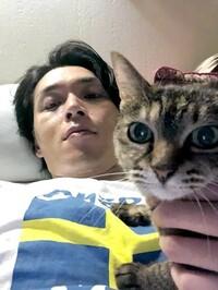 歌謡コーラスグループ・純烈のメインボーカル・白川裕二郎さんは猫は公表するのに妻は公表しないのですか?教えてください。