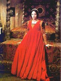 映画「ロミオとジュリエット」 のジュリエットが着ている赤いドレスはなんと呼ばれるドレスですか? またジュリエットが頭に着けている帽子みたいなものはなんという髪飾りですか?