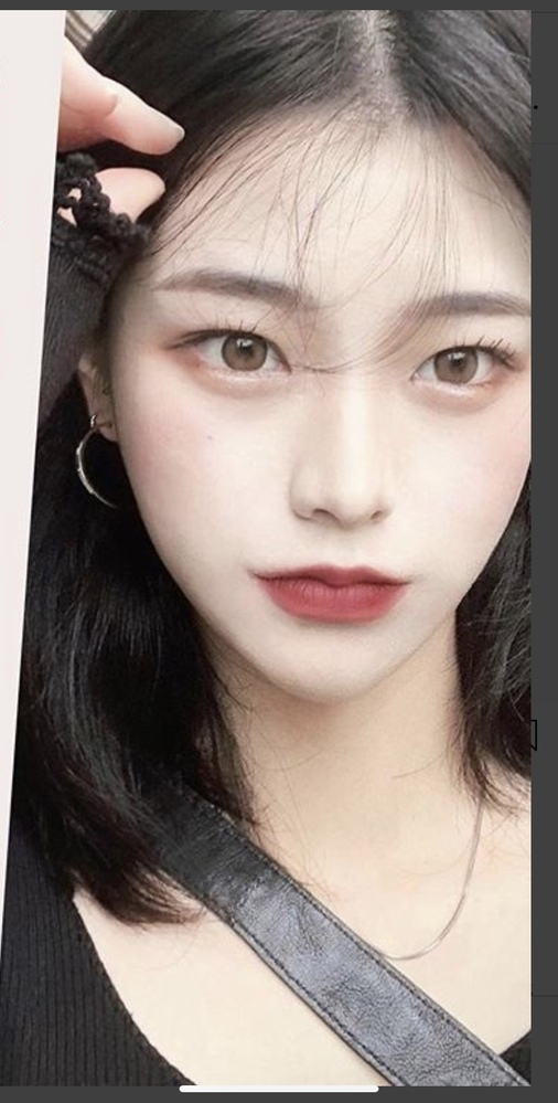 この写真の女の子のお名前など分かる方いますか、? たぶん韓国の方だと思うんですが、、、
