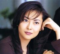 美人な芸能人を教えて下さい(^^) 歌手・女優どちらでも構いません! 主観でお願い致します! 中山美穂さん