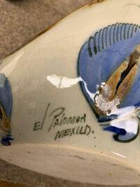 陶器製の鉢(イタリア製?)ですが、サインが読めません。詳しい方が居られましたらご教示のほどお願い申し上げます。