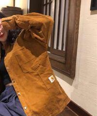 カーハート carhartt のコーデュロイジャケット、シャツでこの画像のデザインはいつのものでしょうか?