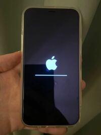 iPhone12miniを クイックスタートしましたが あと少しのところで1時間以上このままです 何か不具合なのでしょうか…