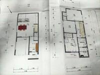間取り相談です。 南向き道路に面している22坪の狭小地、インナーガレージ付き二階建ての新築を考えています。三階建ては難しいです。 図面が最初にHMの提案したものですが理想とはかけ離れていました。  ・2LDK ...