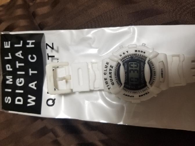 100均で購入した時計ですが、 音はなりますか??
