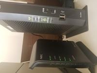 昨日から光回線を繋げ、pc・スマホ・ps4でそれぞれ接続出来ていたのですが急にインターネットが繋がらなくなってしまいました。 スマホはWiFi接続可能になってますが、PC・ps4は未だに繋げられてません。 LANケー...