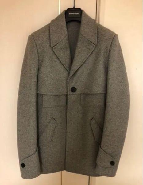 バレンシアガにこの形のコートは存在しますか。