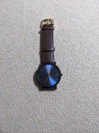 この腕時計ダサいですか?大学生や社会人が着けていたらどう思いますか?