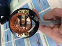 第二種電気工事士 技能試験についてです。 写真のランプレセプタクルの受金ネジ部がどこのことかわかりません。 説明お願いします。