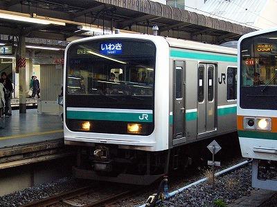 なぜ東北本線は東京の電車が福島県内に上がり込まないんでしょうか? 今は系統分裂の関係でないです...