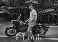 バイクにお詳しい方教えて下さい!こちらのバイクはどちらの何というバイクでしょうか?宜しくお願い致します。