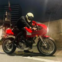 バイクに詳しい方宜しくお願い致します。こちらのバイクどちらのバイクでしょうか?宜しくお願い致します。