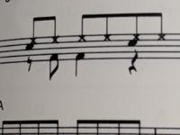 ドラム譜ですが、この部分はどのようにしますか?