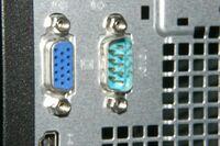 パソコン デスクトップ マルチモニター  普段写真の左側のVGA?端子につないでいます。 もう一台つないでマルチモニタ-にしたいのですが、 右側に見える端子がそれですかね・・・。  特殊なケーブルが必要ですか...