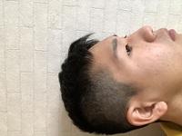 これってモヒカンですか? ツーブロックですか? 校則に違反しますか? 髪切る時にモヒカンしないでと伝えたのにこんなになりました。 返答お願いします。