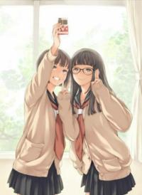 【大喜利】まいくNHです。 . 「はい、チーズ♪」 二人で仲良く、写メ撮る女子高生さん。(^^) 何の記念写真、なんでしょうか♪  [例] コロナ禍だけど、今日はめでたく、 二人とも、二人ずつ、お客さん取れました♪  幸先いいから、記念に♪ いえーい!  \(  ̄▽ ̄)(  ̄▽ ̄)/